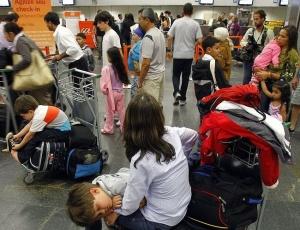 Pessoas formaram enormes filas em terminal de embarque da Gol no aeroporto de Congonhas durante o caos aéreo do começo do mês