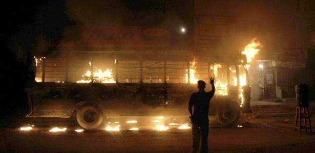 Assassinato de político gerou protestos violentos e matou mais de 30 pessoas no Paquistão
