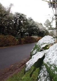 Neve muda paisagem da cidade de Gramado, na serra gaúcha