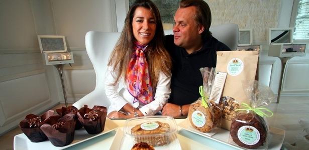 A chef pâtissier brasileira Fernanda Capobianco, que é vegetariana, e seu noivo François<br> Payard em Nova York, nos Estados Unidos. Ela decidiu servir carne no casamento
