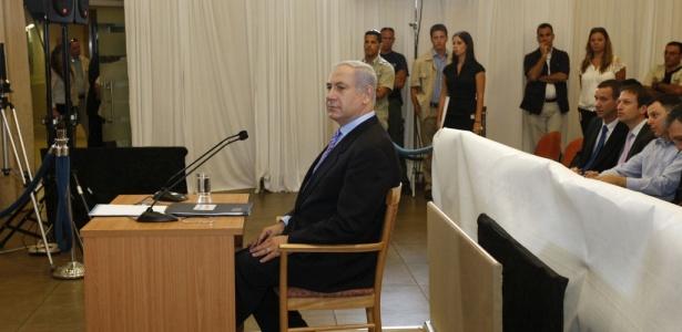 O primeiro-ministro de Israel, Benjamin Netanyahu, presta depoimento sobre a ação de seu país contra uma frota humanitária que se dirigia a Gaza