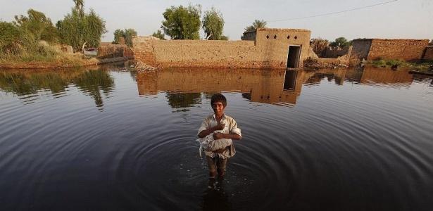 ONU pede US$ 459 milhões para vítimas de inundações no Paquistão