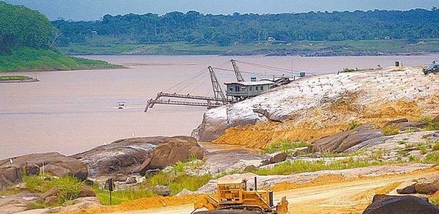 <b>Usina de Santo Antônio</b>: <B>Localização:</B> Porto Velho (RO) | <B>Rio:</B> Madeira | <B>Quando fica pronta:</B> 2011 (primeira etapa) | <B>Capacidade:</B> 3.150 MW | <B>Custo:</B> R$ 13,5 bilhões | <B>Consórcio responsável:</B> Santo Antônio Energia - Furnas (39%), Cemig (10%), Odebrecht (18,6%), Andrade Gutierrez (12,4%), Fundo de Investimentos e Participação Amazônia Energia - FIP (20%) - Jota Gomes/Folhapress - 08.mar.2009