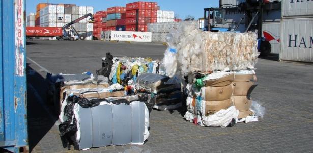 Técnicos do Ibama apreenderam lixo doméstico da Alemanha em porto do RS no começo de agosto