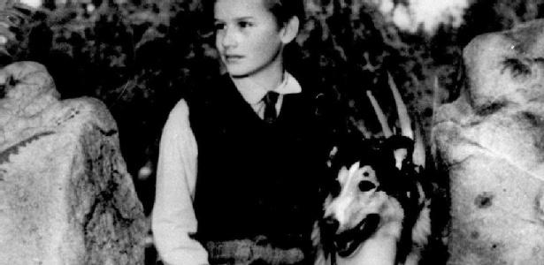"""Imagem de divulgação do filme """"Lassie Come Home"""", de 1943, que deu origem à série com personagem canino da qual Jackson Gillis participou"""