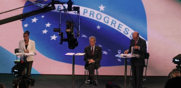 Presidenciáveis Marina Silva (PV), Plínio de Arruda Sampaio (PSOL) e José Serra (PSDB) debatem problemas nordestinos na TV