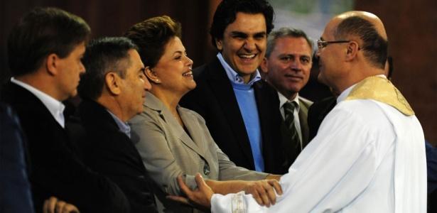 Candidata visita Santuário Nacional de Aparecida ao lado de aliados católicos, como o deputado eleito Gabriel Chalita (à dir.), do PSB