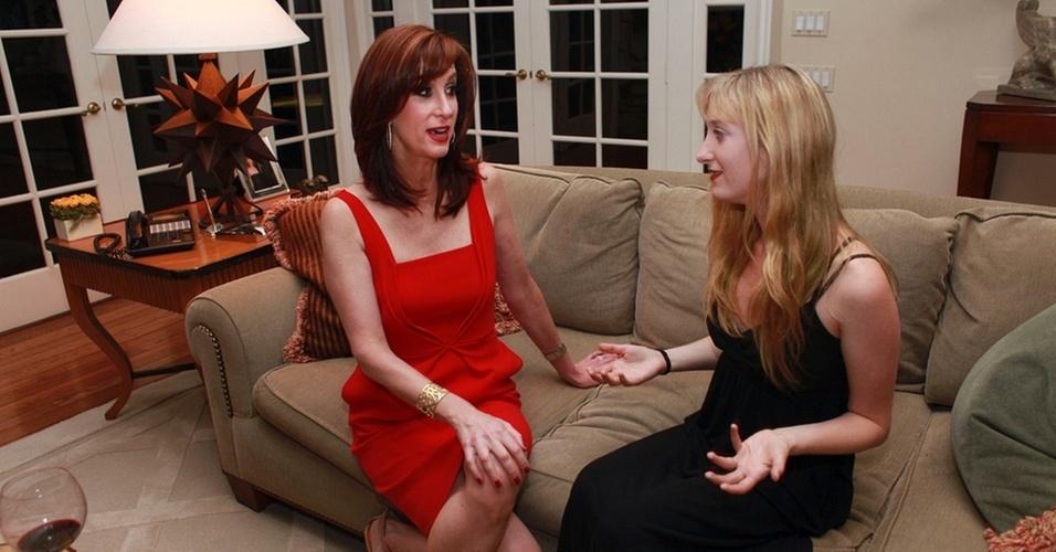 Jamie McGurk (esq.), produtora independente, e sua filha, Stephanie, em sua casa em Los Angeles. Pais estão enfrentando dificuldades com filhos adultos que não conseguem emprego