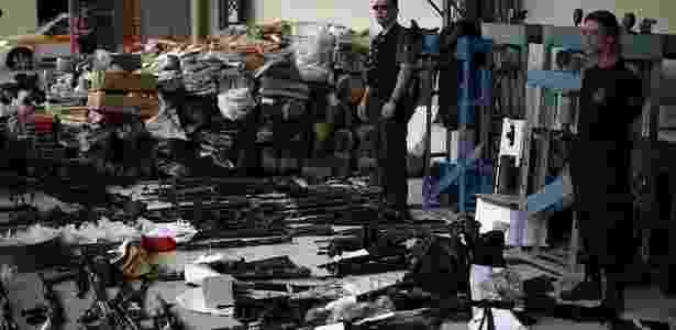 Drogas e armas apreendidas nas ações policiais no Rio são apresentadas; veja mais imagens  - Rafael Andrade/Folhapress