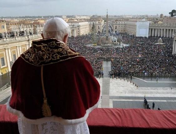 Papa transmite mensagem de Natal na Praça São Pedro