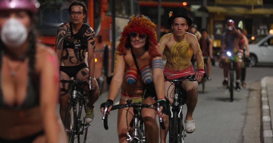 Mais de 200 ciclistas participam da