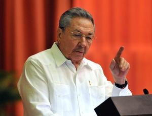 O presidente de Cuba, Raúl Castro, discursa durante o 6º Congresso do Partido Comunista