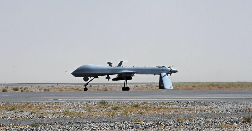 Foto de 13 de junho de 2010 mostra um avião de guerra não tripulado modelo