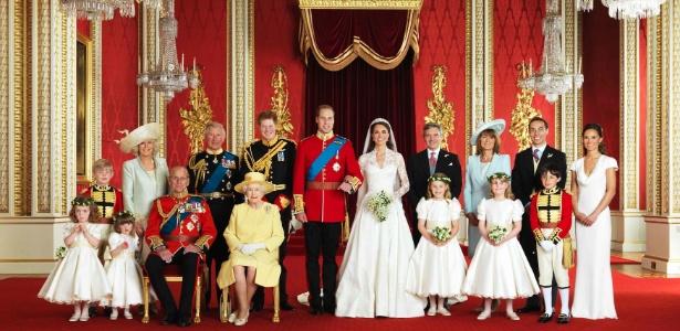 Foto oficial da família real após o casamento de Kate e William (29/4/2011)