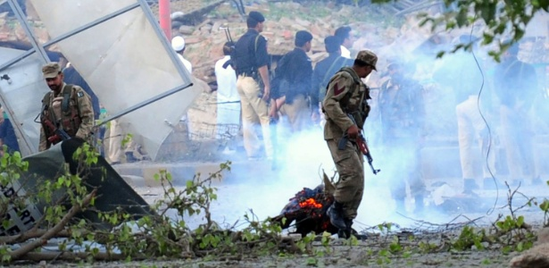Atentado suicida no Paquistão deixa pelo menos 4 policiais mortos