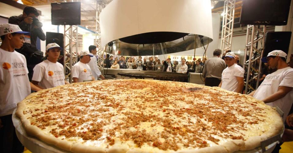 A maior pizza do Brasil foi preparada no dia 6 de junho de 2011, por pizzaiolos da Associação Pizzarias Unidas, durante feira em São Paulo