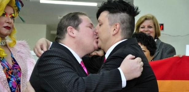 Cabeleireiro e comerciante gays casam-se no civil em Jacareí (SP) - Nilton Cardin/AE