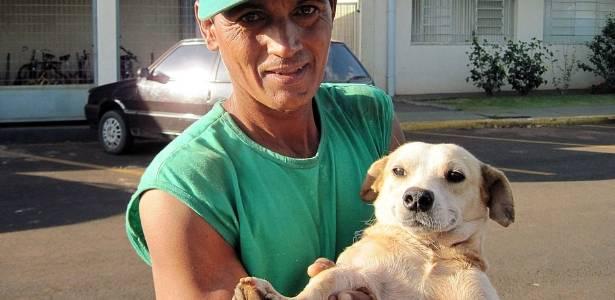 Veja e ouça mais sobre a relação do lixeiro Reinaldo Diogo Querino com o vira-lata Simpson