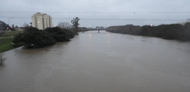 Rio dos Sinos, em São Leopoldo (RS), registra cheia provocada pelas chuvas no Estado - Divulgação/Defesa Civil de São Leopoldo