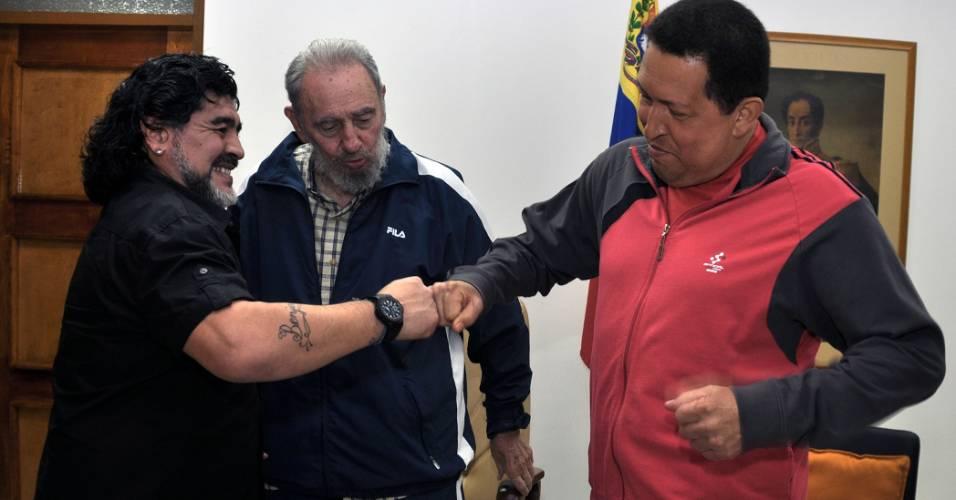 O presidente da Venezuela, Hugo Chávez, recebeu na sexta-feira (23) a visita do ex-jogador argentino Maradona