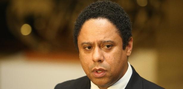 Sucessor de Orlando Silva Jr. terá de seguir política de distanciamento da Fifa e do COL