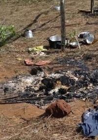 Grupo armado queimou as barracas dos índios