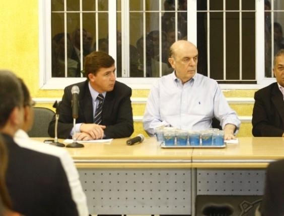 José Serra, pré-candidato a prefeito de São Paulo, se encontra com vereadores do PSDB na sede do partido