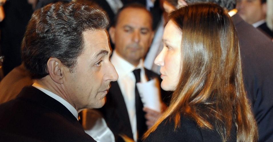 Acompanhado da esposa, Carla Bruni, o presidente da França Nicolas Sarkozy participa de ofício religioso na Sinagoga de Nazaré em memória aos judeus assassinados na escola de Toulouse, em Paris