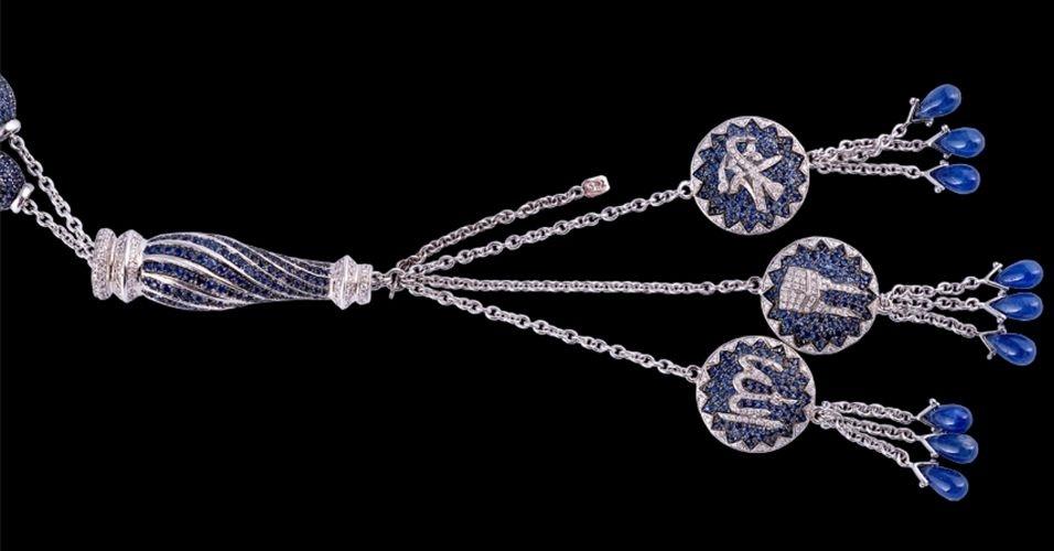 Um conjunto de contas de orações feito pelo artista e joalheiro libanês Naji Ouba, composto por mais de 16.000 diamantes e safiras azuis --que representam os 99 nomes de Deus, de acordo com a religião muçulmana--, pode ser registrado como o mais caro do mundo