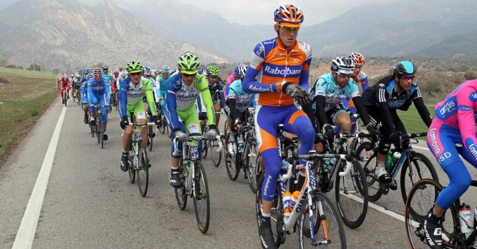 Competição de ciclistas na Espanha