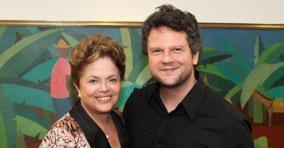 Presidente Dilma Rousseff recebe o ator Selton Mello no Palácio do Planalto