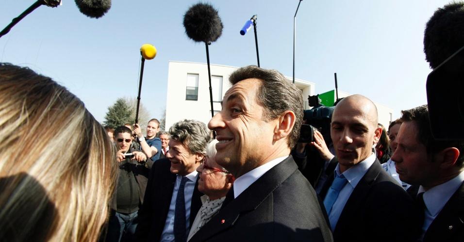 Nicolas Sarkozy, presidente francês e candidato à reeleição, retoma o ritmo normal da campanha em Valenciennes, no norte da França