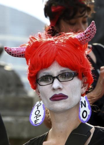 No dia da chegada do papa à cidade de León, no México, jovens da capital protestaram contra sua vinda ao país. O Papa deve ficar três dias no México, antes de seguir para Cuba