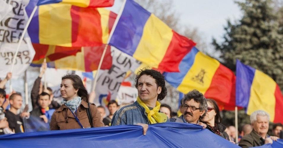 Moldávios celebram aniversário de unificação do país com a Romênia neste domingo (25)