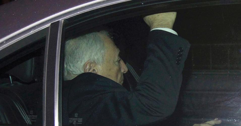 O ex-diretor do FMI Dominique Strauss-Kahn deixa tribunal em Lille, norte da França