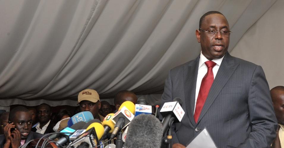 O recém-eleito presidente do Senegal, Macky Sall, faz discurso da vitória em Dakar