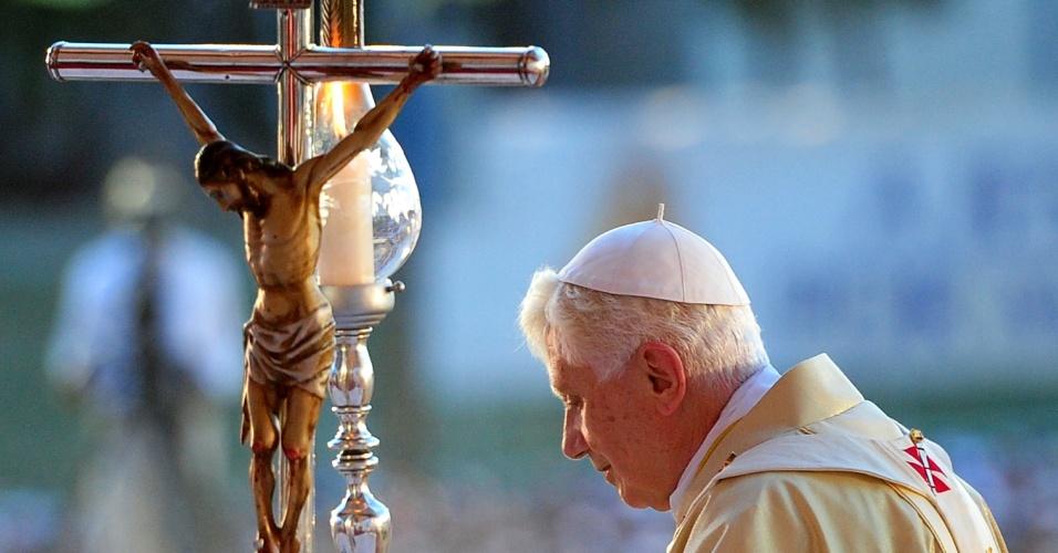 Papa Bento 13 conduziu a Santa Missa em comemoração ao 400º aniversário da descoberta da imagem da Virgem da Caridade de Cobre, em uma praça de Santiago de Cuba