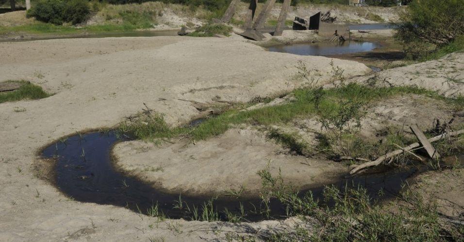 Rio Vacacaí, no distrito de Passo do Verde (RS) está abaixo do nível normal devido à falta de chuvas