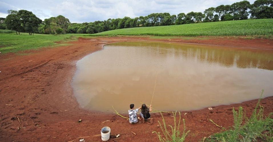 Seca reduz volume de água em açude de Boa Vista das Missões, no norte do Estado do Rio Grande do Sul