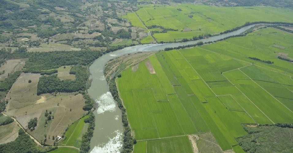 Vista aérea mostra efeito da seca em Santa Maria, no Rio Grande do Sul