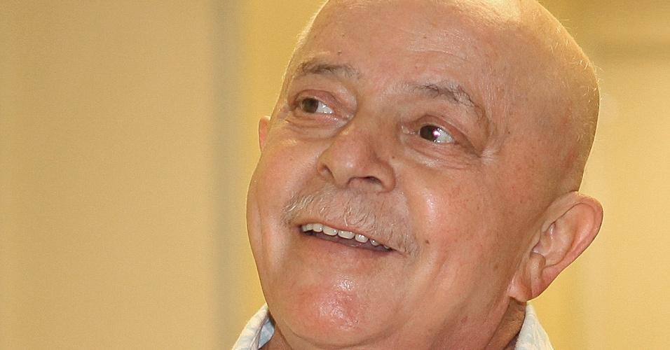 Exames realizados mostram que o tumor na laringe do ex-presidente Luiz Inácio Lula da Silva