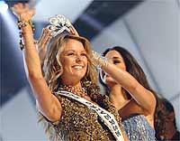 Jennifer Hawkins é coroada Miss Universo