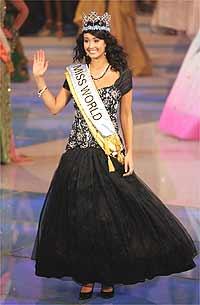 Até o nome da Miss Mundo é lindo de morrer: Unnur Birna Vilhjalmsdottir