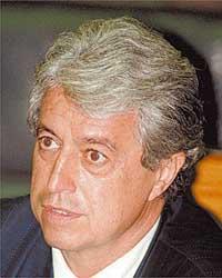 04/02/2004 - Ichiro Guerra/Folha Imagem