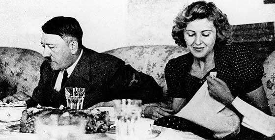 AP - Reprodução do arquivo de Eva Braun's Picture Album