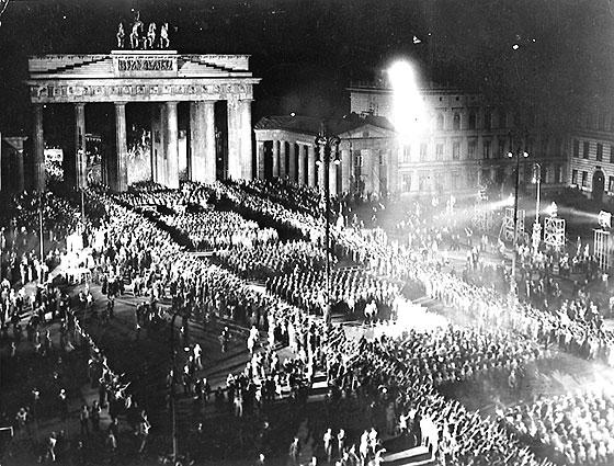 30.01.1933 - AP