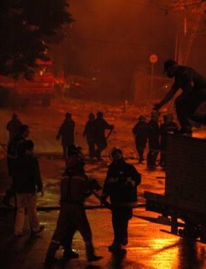 17.jul.2007 - Chamas após acidente com avião da TAM em São Paulo