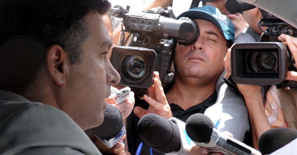Médico de Arruda fala à imprensa