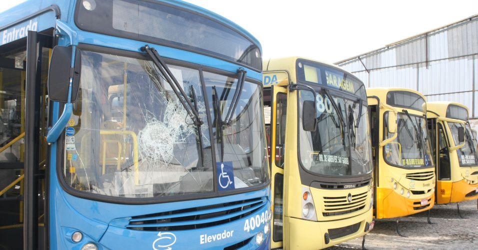 Ônibus depredados em BH