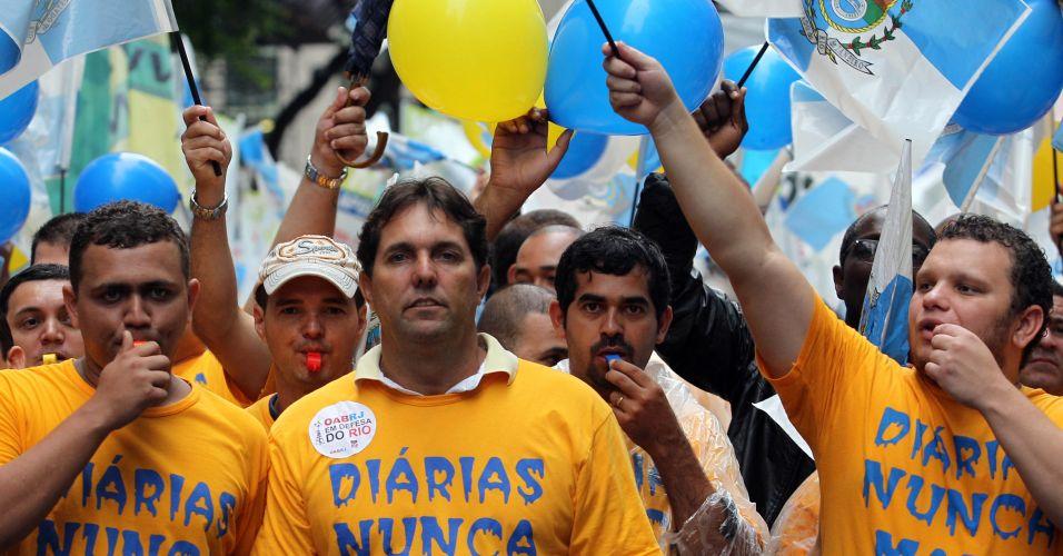 Mesmo com chuva, a passeata contra emenda reuniu 100 mil pessoas
